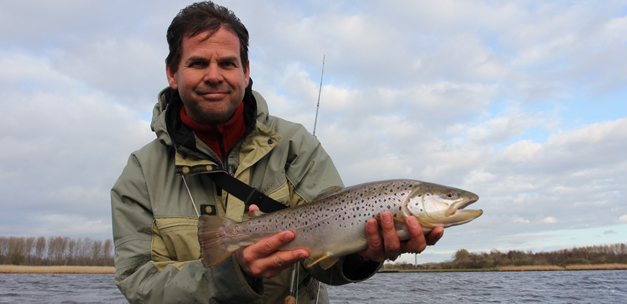 Trout released in the Lauwersmeer (video)